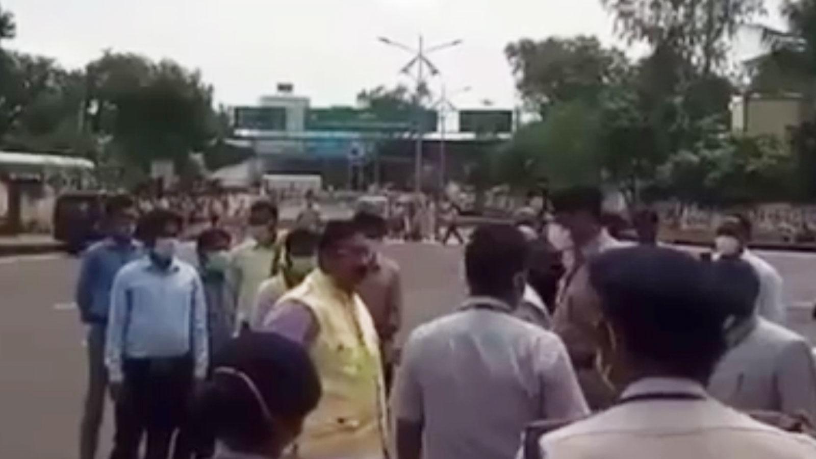 Jabalpur: वन मंत्री विजय शाह को कार्यक्रम स्थल में जाने से रोका, कांग्रेस ने बीजेपी को घेरा