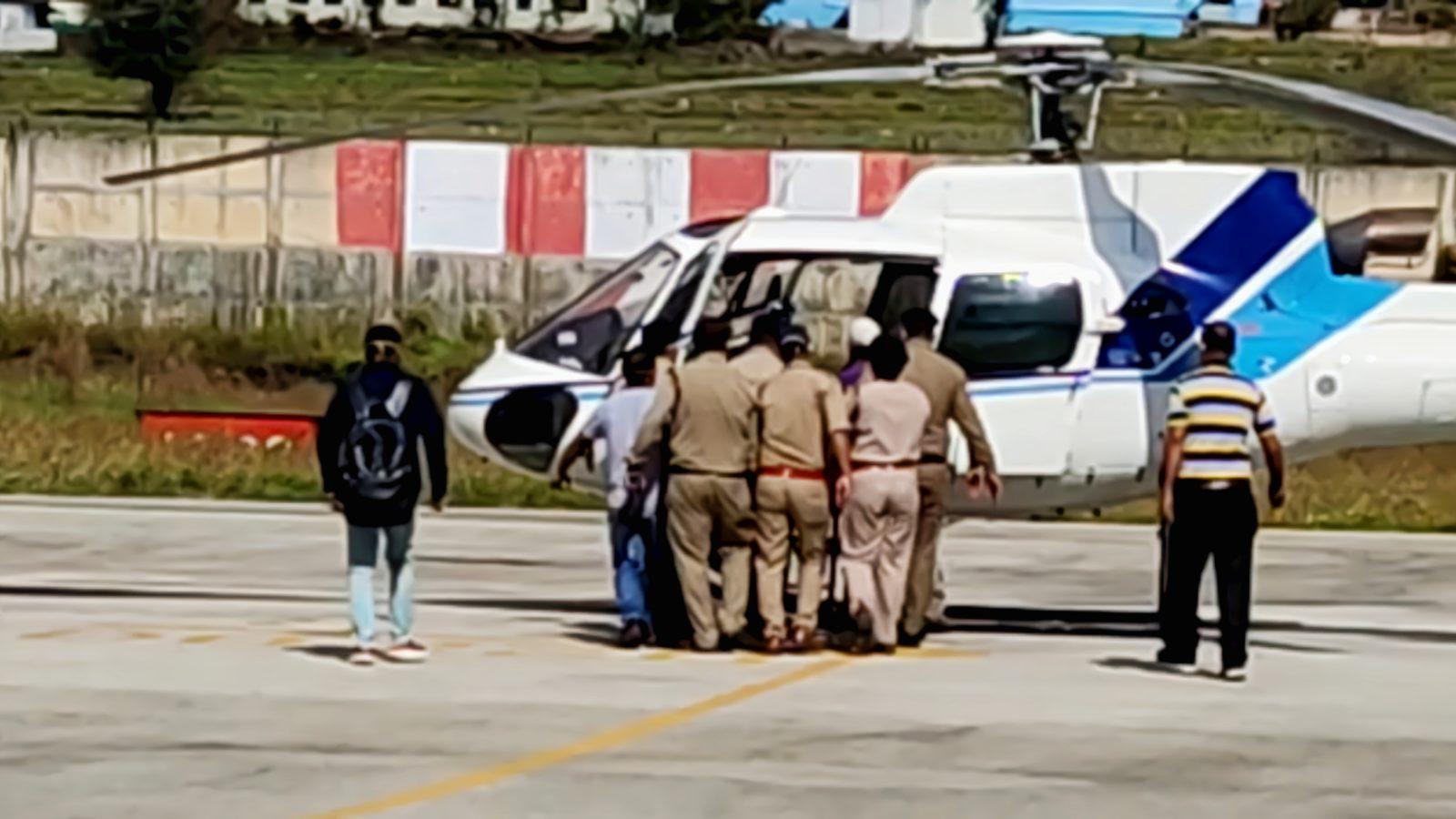 पिथौरागढ़: सेना के हेलीकॉप्टर से चलाया 'रेस्क्यू ऑपरेशन'