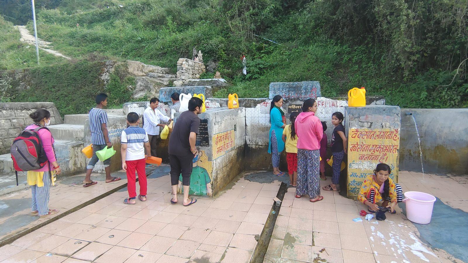 पिथौरागढ़ में पेट्रोल-डीजल के बाद अब पानी की किल्लत