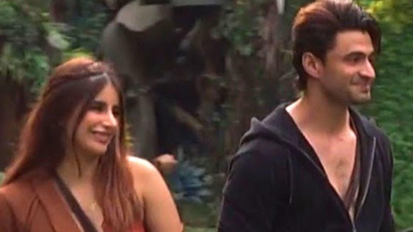 Bigg Boss 15 Ishaan Sehgal Miesha Iyer kissed each other Video Viral ss -  BB 15: ईशान सहगल-मायशा अय्यर ने मौका देखकर एक-दूसरे को किया KISS! लोग बोले-  'बेशर्म' – News18 Hindi