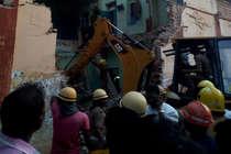 तमिलनाडु में बस स्टैंड की छत गिरी, 8 लोगों की मौत