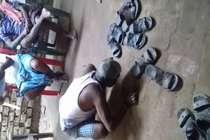 VIDEO : बिना दरवाजा खटखटाए घर में घुसने की सजा, भरी पंचायत में चटवाया थूक