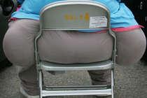 9 साल की बच्ची पर बैठी 145 किलो की महिला, मौत