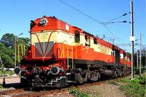 160 KM तक गलत दिशा में दौड़ी ट्रेन, यात्रियों के बताने पर बदला ट्रैक