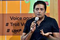 ट्रोल होने पर तमतमाए प्रकाश राज, बीजेपी नेता को भेजा नोटिस