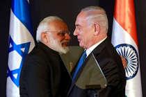 दुनिया भर के नेताओं से क्यों गले मिलते है मोदी, खुद PM ने खोला राज