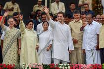 कुमारस्वामी के शपथ ग्रहण के बहाने एकजुट हुए BJP विरोधी दल, 2019 तक रहेंगे साथ?