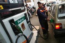 पेट्रोल-डीजल की कीमतों ने छुआ आसमानः मुंबई में सबसे महंगा, दिल्ली में भी टूटा रिकॉर्ड