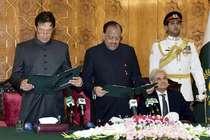 इमरान ने किया कैबिनेट का ऐलान, भारत पर परमाणु हमले की सलाह देने वाली शिरीन भी शामिल