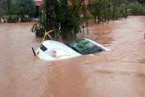 केरल बाढ़ पीड़ितों का फेसबुक पर उड़ाया मज़ाक, कंपनी ने नौकरी से निकाला