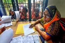 असम के बाद अब बंगाल में NRC पर आरएसएस का अभियान!