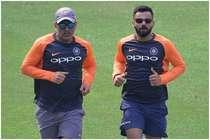 गुवाहाटी ODI से पहले धोनी की फोटो ने मचाया धमाल, लेकिन मैदान पर बदल गए माही!