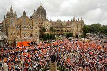 महाराष्ट्र में मराठाओं को मिलेगा आरक्षण, फडणवीस सरकार ने दी मंजूरी