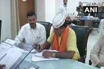 पश्चिम दिल्ली से आप उम्मीदवार ने भरा पर्चा, कांग्रेस के साथ नहीं होगा गठबंधन!