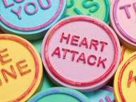 हमारा दिल शरीर के सबसे अहम हिस्सों में से एक है. ये वह हिस्सा है जो जन्म से लेकर मृत्यु तक हर वक्त काम करता है. ऐसे में इसकी देखभाल की जिम्मेदारी जरा बढ़ जाती है. हमारे रोजमर्रा की जिन्दगी में बहुत सी ऐसी आदतें है, जिनसे जाने-अनजाने हमारे दिल को नुक्सान पहुंचता है. ऐसे में जरूरी है कि एक स्वस्थ और लंबे जीवन के लिए उन बातों का ख्याल रखा जाए. (All Images: Getty)