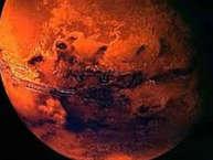 पृथ्वी के बाद आकाश गंगा में वैज्ञानिक जिस ग्रह पर जीवन की सबसे ज्यादा संभावना देखते हैं उनमें मंगल ग्रह का नाम सबसे पहले आता है. आखिर क्या वजह है कि नासा लगातार मार्स पर जीवन की संभावनाएं देख रहा है. आइए जानते हैं क्यों है मंगल पर जीवन की संभावनाएं.