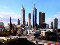 ऑस्ट्रेलिया के मेलबर्न शहर को रहने के लिए दुनिया की सबसे बेहतरीन जगह के तौर पर लगातार सातवीं बार चुना गया है. इकोनोमिस्ट इंटेलिजेंस यूनिट ने अपने सर्वेक्षण में मेलबर्न को ऑस्ट्रिया की राजधानी वियना और कनाडा के शहर वेंकूवर से बेहतर पाया है.