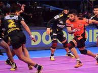 कप्तान राहुल चौधरी के शानदार प्रदर्शन के दम पर तेलुगू टाइटंस ने शनिवार को वीवो प्रो-कबड्डी लीग के अपने दूसरे इंटरजोन मैच में यू-मुंबा को 37-32 से मात दी. लीग के सीजन-5 में अब तक खेले गए अपने 10 मैचों में टाइटंस की यह दूसरी जीत है. वहीं, शनिवार को बाबू बनारसी दास इंडोर स्टेडियम में खेले गए इस मैच में राहुल ने टाइटंस के लिए कुल 13 रेड अंक हासिल किए. (prokabaddi)