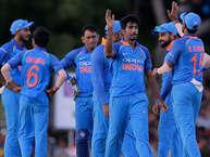टीम इंडिया आज श्रीलंका के खिलाफ वनडे सीरीज़ में अपनी बढ़त को और मज़बूत करने के इरादे से दूसरे वनडे में उतरेगी. पांच वनडे मैचों की सीरीज़ में विराट ब्रिगेड 1-0 से बढ़त बना चुकी है. एक नज़र भारत और श्रीलंका के इन दिलचस्प आंकड़ों पर.