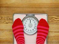 वजन घटाने की कोशिश के दौरान हर कोई बार-बार अपना वजन जांचता है. विशेषज्ञों की मानें तो कुछ खास एक्टिविटी के बाद वजन मापने से बचना चाहिए. जानिए कौन सी हैं वो एक्टिविटीज. (all images: getty)