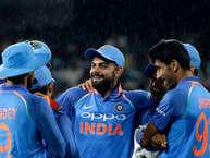 भारतीय टीम आज होने वाले दूसरे वनडे अंतरराष्ट्रीय मैच में शीर्ष क्रम बल्लेबाज़ों की सीरीज़ के शुरुआती मुकाबले में खराब प्रदर्शन की भरपाई करने की उम्मीद के साथ चाहेगी कि उनके स्पिनर ऑस्ट्रेलियाई खिलाड़ियों को परेशान करना जारी रखें.