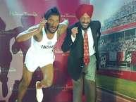 फ्लाइंग सिख मिल्खा सिंह भी अब मैडम तुसाद म्यूजिय्म में नजर आएंगे. दिल्ली में मैडम तुसाद म्यूजिय्म में मिल्खा सिंह का मोम का पुतला लगाया जाएगा. इससे पहले इस पुतले का अनावरण खुद मिल्खा सिंह ने चंडीगढ़ में एक निजि होटल में किया.