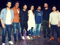 रोहित शेट्टी की फिल्म 'गोलमाल अगेन' जल्द ही रिलीज को तैयार है. रोहित अपनी इस फिल्म के प्रमोशन के लिए अपने ही शो 'खतरों के खिलाड़ी' के सेट पर पहुंचे.