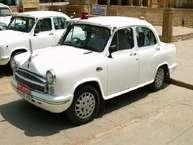 नई दिल्ली नगरपालिक परिषद (NDMC) के अधिकारी अब जल्द ही अपने विंटेज एंबेसडर गाड़ियों को अलविदा कहने वाल हैं.