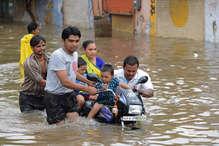 गुजरात और राजस्थान में भारी बारिश के बाद हालात गंभीर, अब तक 70 लोगों की मौत