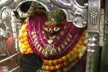 मिर्जापुर: नवरात्र के पहले दिन मां विंध्यवासिनी के दर्शन को उमड़ी भक्तों की भीड़