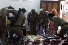 फर्रुखाबाद: डकैती के बाद महिला की गला रेतकर हत्या