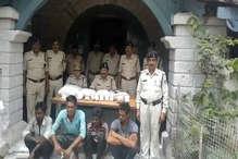 VIDEO: दमोह में पुलिस ने तस्करों से पकड़ा 57 हजार का गांजा