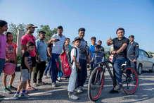 तस्वीरों में देखिए 'साइकिल से संसद फतेह' के लिए कैसे पसीना बहा रहे अखिलेश यादव