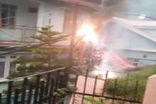 VIDEO: शिमला के लोअर टुटू में बिजली की तार में लगी आग, हादसा टला