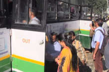 निजी बसों की हड़ताल: 'HRTC की बसों में पांव रखने की भी नहीं मिल रही है जगह'