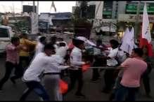 जेएनयू की घटना को लेकर रांची में भिड़े एबीवीपी कार्यकर्ता और वामपंथी