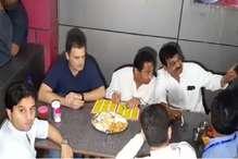 OPINION : 9 घंटे-4 अलग अलग किरदार, राहुल ने मजमा तो लूट लिया अब वोट जीतने की बारी है