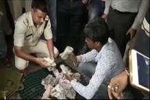 VIDEO: रतलाम में एफएसटी ने व्यापारी से जब्त किए 12 लाख 80 हजार रुपये