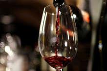 विधानसभा चुनावों में शराब तस्करी चरम पर, चूरू पुलिस ने पकड़ी पांच करोड़ की शराब