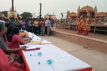 अयोध्या दीपोत्सव: तस्वीरों में देखिए सेलेक्शन के लिए राम और सीता का Ramp Walk