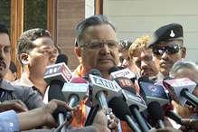 VIDEO: CM ने करुणा शुक्ला को प्रतिद्वंद्वी कहे जाने पर दिया ये जवाब