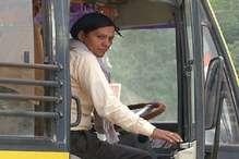 PHOTOS: पिछले 11 सालों से सरकारी कॉलेज की बस चला रही हरियाणा की ये महिला ड्राइवर
