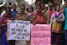 VIDEO: अवैध खनन माफियाओं के खिलाफ ग्रामीणों का हल्ला बोल
