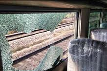 फाइनल ट्रायल के लिए दिल्ली से आगरा जा रही हाई स्पीड ट्रेन-18 में पथराव, खिड़कियों के शीशें टूटे