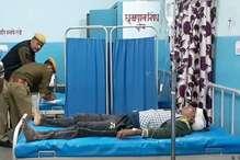राजस्थान चुनाव: फर्जी मतदान का आरोप लगाकर भिड़े कार्यकर्ता, कई घायल
