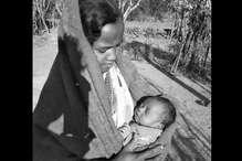 Human Story : 'दो दिन के बच्चे को सीने से लगाकर तीन किलोमीटर चली और वोट डाला'