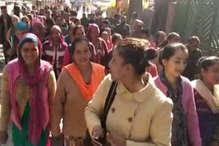 VIDEO: पानी और रोजगार के लिए सड़कों पर उतरे औट पंचायत के निवासी