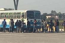 PHOTOS: टोल कर्मियों ने रोडवेज बस के चालक और परिचालक को दौड़ा-दौड़ा कर पीटा