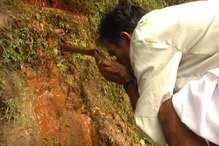 PHOTOS: गंगा-यमुना के मायके उत्तराखंड में जलस्रोतों में 60% पानी घटा, 510 सूखे