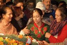 मेजर विभूति ढौंडियाल का पार्थिव शरीर देख फूट-फूट कर रो पड़ा परिवार